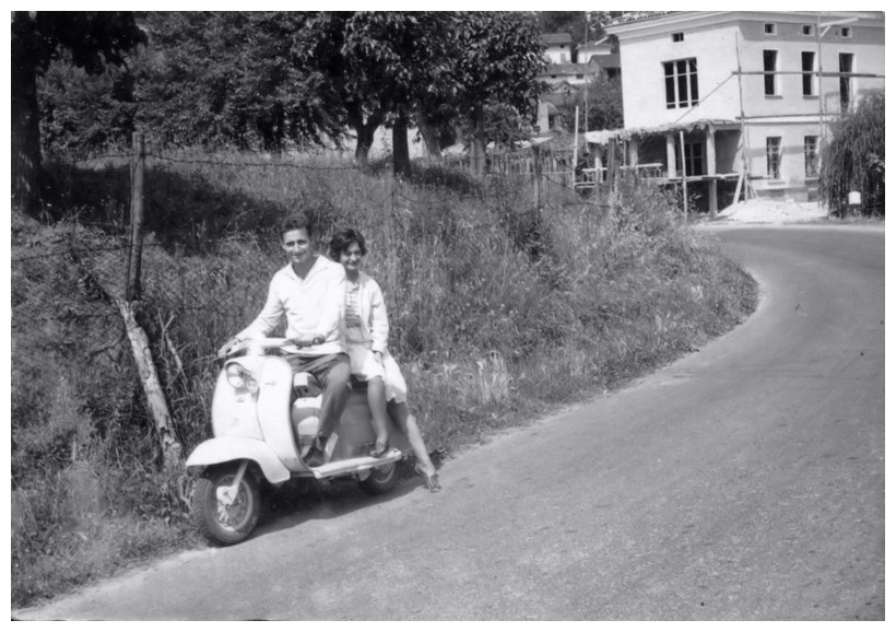 1958_Martinengo Dino in scooter